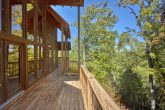 Private 5 Bedroom Cabin with wooded View