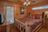 Cabin with Master Suite and Jacuzzi Tub