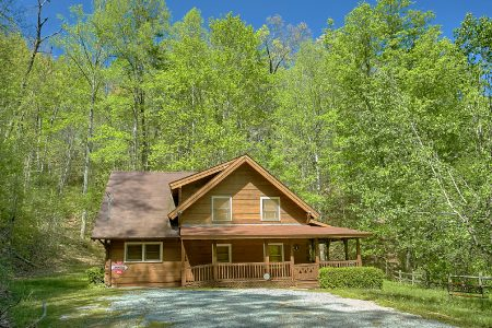 Amazing Hideaway: 3 Bedroom Sevierville Cabin Rental