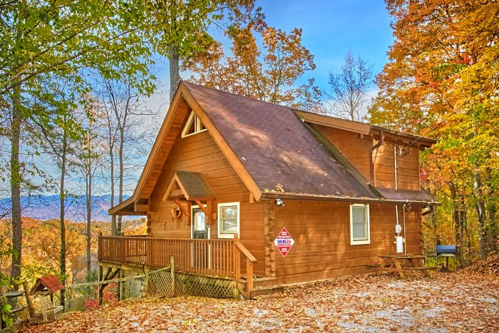 Secluded Private 2 Bedroom Smoky Mountain Cabin Rental