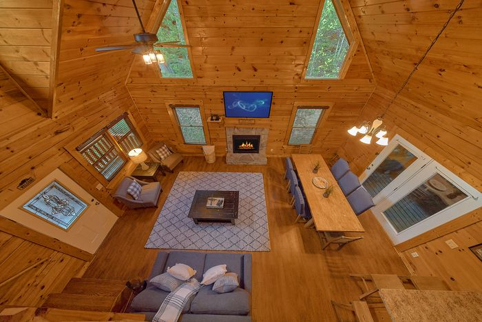 Cabin with Open Floor Plan - Paws A While