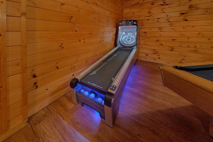 Cabin with Private Hot Tub - Paws A While