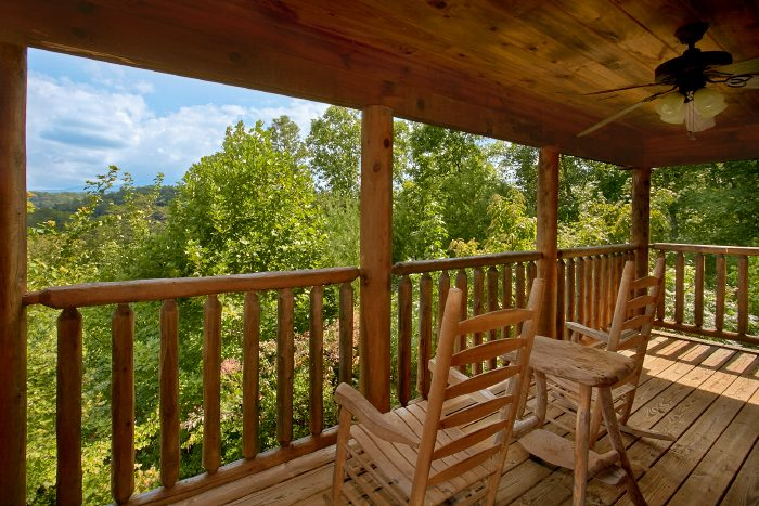 Honeymoon Cabin Near Dollywood With View And Pool Table