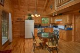 1 Bedroom Cabin with Full Kitchen and Table