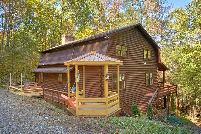 4 Bedroom Cabin with a Gazebo and Porch Swing - Ponderosa