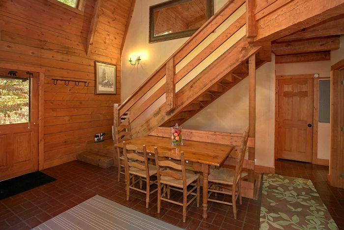 Rustic 4 Bedroom Cabin with 2 Dining Areas - Ponderosa