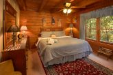 Spacious 4 Bedroom Cabin with 2 Queen Beds
