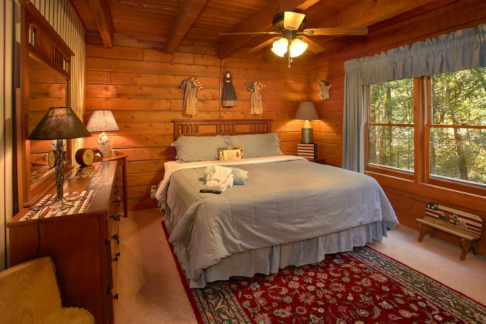 Spacious 4 Bedroom Cabin with 2 Queen Beds - Ponderosa