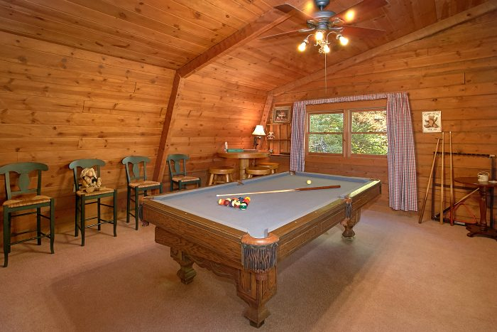 4 Bedroom Cabin with Pool Table and Loft - Ponderosa