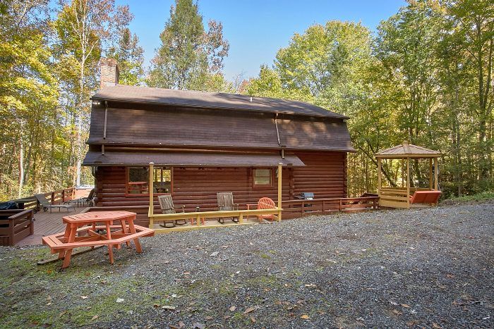 Cabin with Picnic Table, Grill and Wooded View - Ponderosa