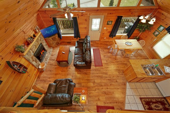 Cabin With Open Floor Plan: Smoky Mountains Cabin Rental