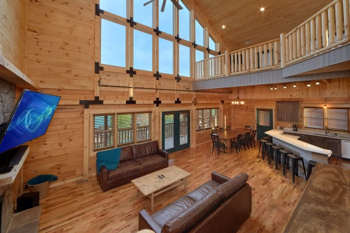 7 bedroom cabin with Fireplace in Living room - Poolside Lodge
