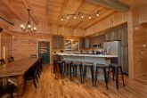 7 Bedroom Cabin with Large Kitchen and Bar