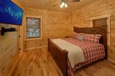 Luxurious 7 bedroom cabin with 2 King Suites