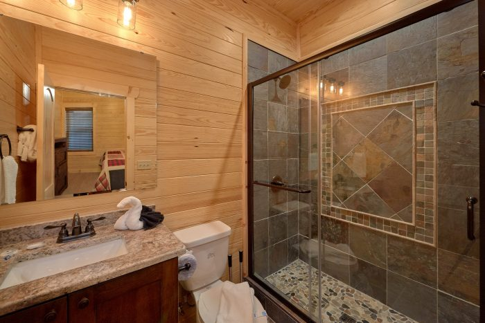 7 Bedroom with Bunk Bed and TVs in each room - Poolside Lodge