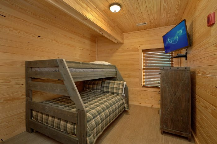Premium 7 Bedroom cabin with washer and dryer - Poolside Lodge