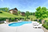 7 Bedroom cabin with Resort Pool and picnic area