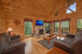 2 Bedroom Cabin with a Fireplace and WIFI
