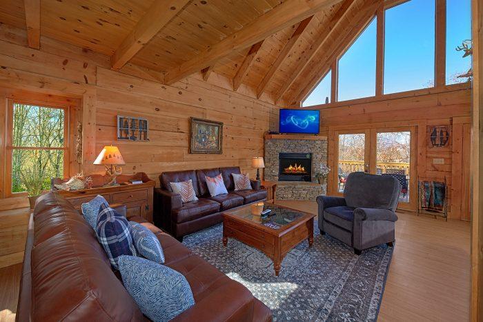 Spacious Living Room Gatlinburg Cabin - Rare Breed