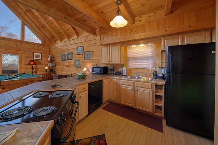 Beautiful 3 Bedroom Cabin Sleeps 8 Gatlinburg - Rare Breed