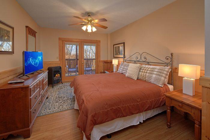 Beautiful King Bedroom Gatlinburg Cabin - Rare Breed