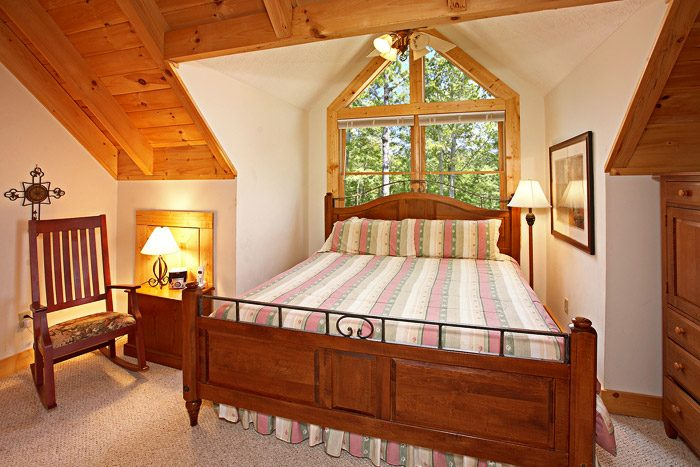 Cabin with King Size Master Suite - Rare Breed