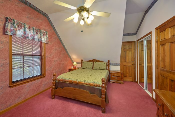 Resort 2 Bedroom Cabin with Queen Bed Sleeps 6 - Rays Inn
