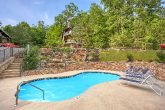 2 Bedroom Cabin with Resort Swimming Pool Access