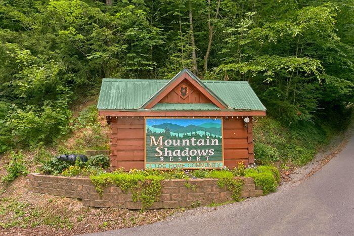 Luxury Cabin in Mountain Shadows Resort - Reclusive Moose