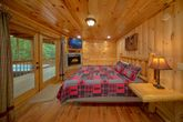 6 Bedroom Cabin with Main Floor King Bed