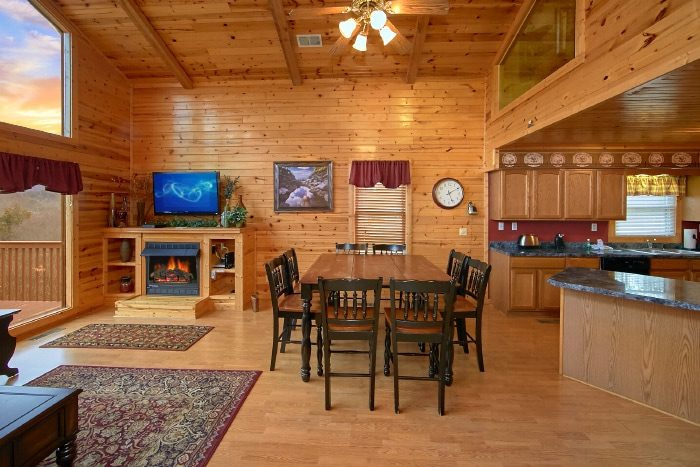 Luxury Cabin with Large dining area - River Breeze