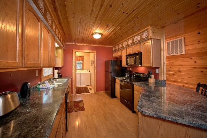 3 Bedroom Luxury cabin with Full Kitchen - River Breeze
