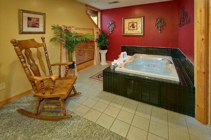 King Master Suite with Oversize Jacuzzi Tub - River Breeze