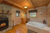 1 Bedroom Cabin with Wood Fireplace and Jacuzzi