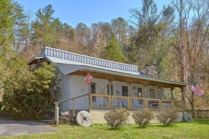 River House Cabin Rental Photo