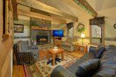 Spacious 2 Bedroom Cabin with Big Screen TV