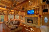 6 Bedroom Cabin on the River with Fireplace