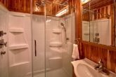 Luxurious 6 Bedroom Cabin with Private Bathrooms