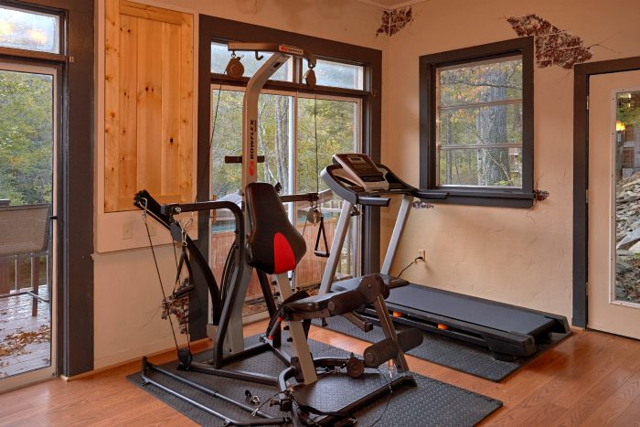 6 Bedroom Cabin with Exercise Room and Games - River Mist Lodge