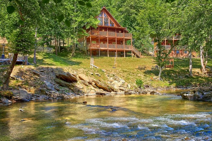 River Pleasures Cabin Rental Photo