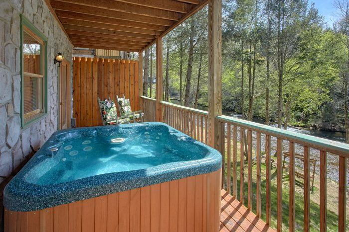 2 Bedroom Cabin with Private Hot Tub - River Pleasures
