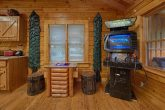 Luxurious 2 Bedroom Cabin with Game room