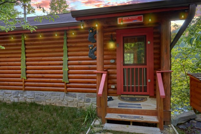 2 bedroom cabin that sits beside the River - River Retreat