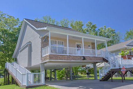 Paul's Paradise: 2 Bedroom Gatlinburg Cabin Rental
