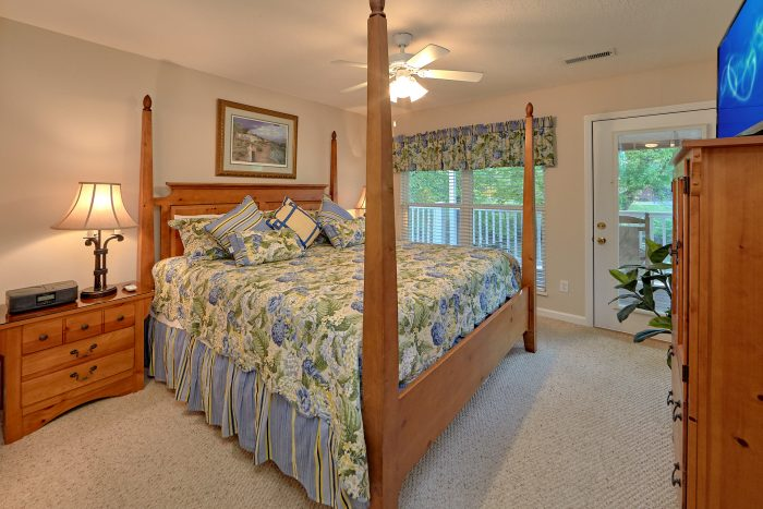 Private Master Bedroom with King Bed and Deck - River View Chalet