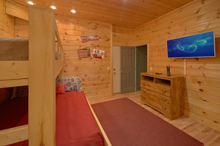 7 Bedroom Luxury Cabin with outdoor dining area - Rocky Top Lodge