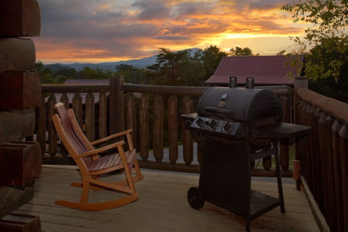 7 Bedroom Luxury Cabin with Gas Grill on deck - Rocky Top Lodge