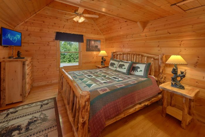 Luxurious Cabin with Private Queen Bedroom - Rocky Top Lodge