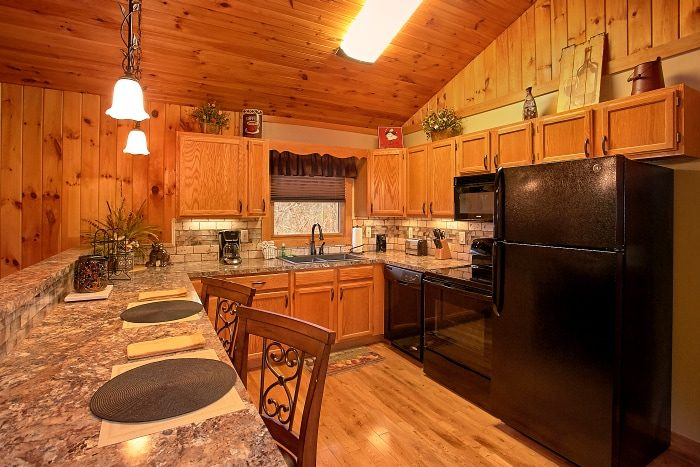 1 Bedroom Cabin with Full Kitchen and Dining - Romantic Evenings