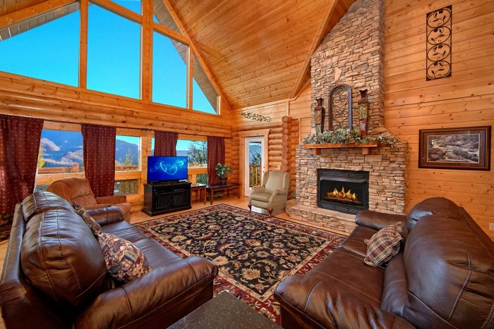 6 Bedroom Cabin Sleeps 20 in Gatlinburg - Royal Vista